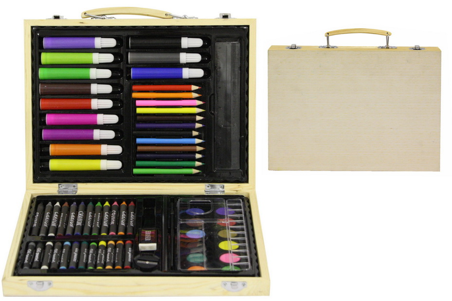67pc Art Set In Wooden Carry Case